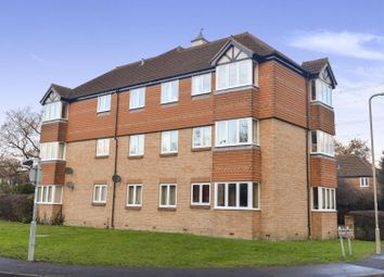Thumbnail 2 bed flat for sale in Washford Glen, Didcot
