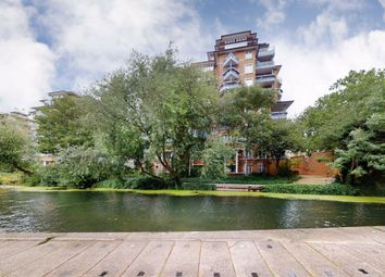 Thumbnail 2 bedroom flat for sale in Finch Lodge, London