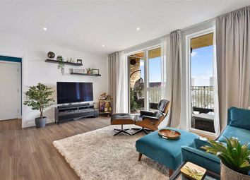 Whelan Road, London W3. 2 bed flat for sale