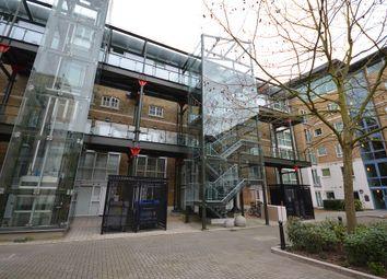 Hopton Road, London SE18. 2 bed flat