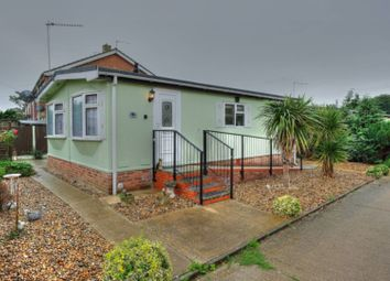 Thumbnail 2 bedroom mobile/park home for sale in Beeches Mobile Homes Park, Lowestoft