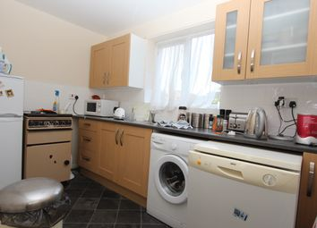 2 bed flat to rent in Millhaven Close, Chadwell Heath, Romford RM6