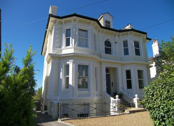 Thumbnail 2 bed flat to rent in Lansdowne Road, Tunbridge Wells