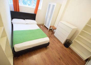 Thumbnail 4 bedroom shared accommodation to rent in Charles Square Estate, London