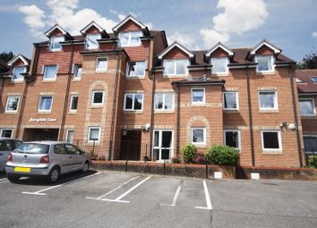 2 bed flat for sale in Waterloo Road, Tonbridge TN9