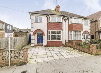 3 bed property to rent in Semley Road, London SW16