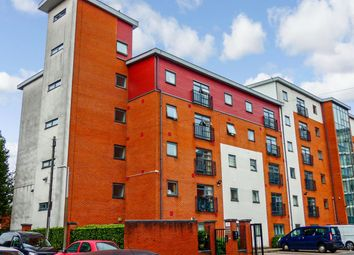 2 bed flat to rent in Renolds House, Everard Street, Salford M5