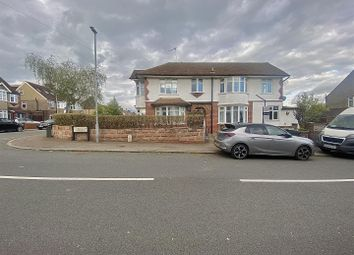 Thumbnail 3 bed detached house to rent in Cranleigh Gardens, Luton