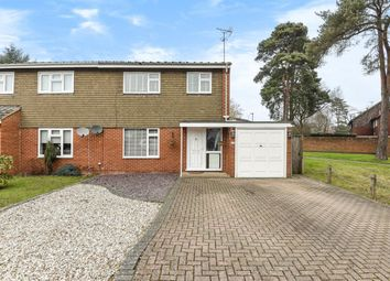 Thumbnail 3 bedroom property to rent in Arnett Avenue, Finchampstead, Wokingham