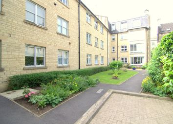 Thumbnail 2 bedroom flat to rent in Mullings Court, Cirencester