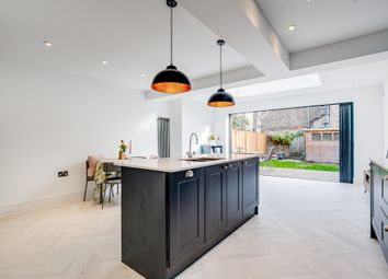 Melody Road, London SW18. 2 bed flat for sale