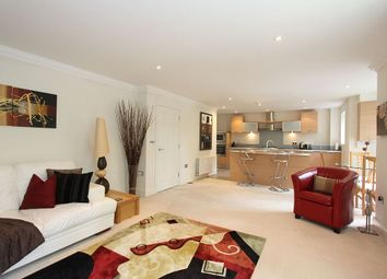 Thumbnail 2 bed flat for sale in Fairway House, Ascot, Berkshire