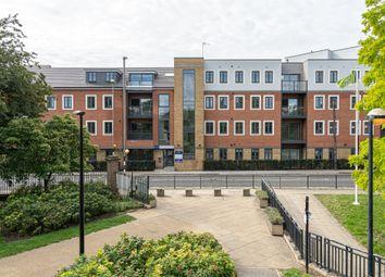 Hale Leys, High Street, Aylesbury HP20. 2 bed flat