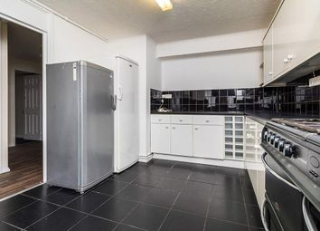 Thumbnail 3 bed flat to rent in Daleview, Erith, Kent