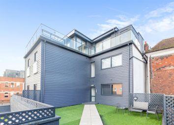 Lyons Crescent, Tonbridge TN9. 1 bed flat for sale