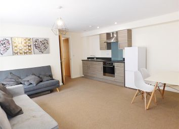 2 bed flat to rent in Edward Street, Stockport SK1