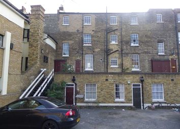 Thumbnail 1 bed flat to rent in West Crescent Road, Gravesend