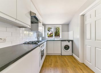 1 bed flat to rent in Nutfield Road, Merstham, Redhill RH1