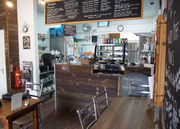 Thumbnail Restaurant/cafe for sale in Cafe & Sandwich Bars HU1, East Yorkshire