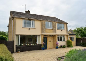 Thumbnail 4 bed detached house for sale in Kingsmead, Lechlade