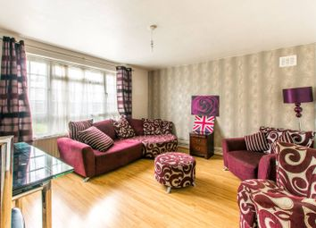 Etchingham Park Road, Finchley Central, London N3. 2 bed flat for sale