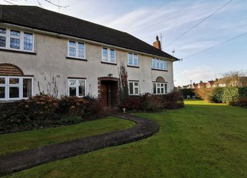 Thumbnail 2 bed flat to rent in Claygate Lane, Esher