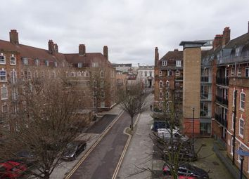 3 bed maisonette to rent in Phillip Street, Hoxton N1
