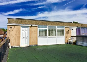 Thumbnail 2 bedroom flat to rent in Station Approach, Great Missenden