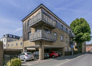 2 bed flat for sale in Chelsea Court, Epsom, Surrey KT18