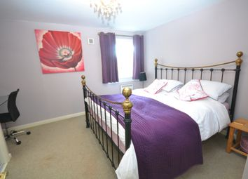 Thumbnail 1 bed flat to rent in Queens Crescent, Livingston, West Lothian