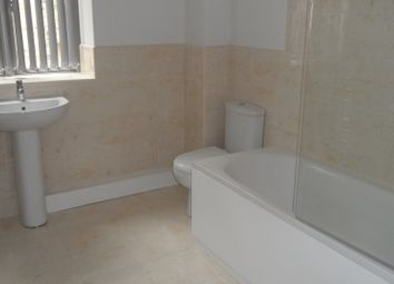 Thumbnail 2 bed flat to rent in Grattan Street, Bradford