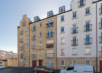 Thumbnail 2 bed flat to rent in Giles Street, Edinburgh