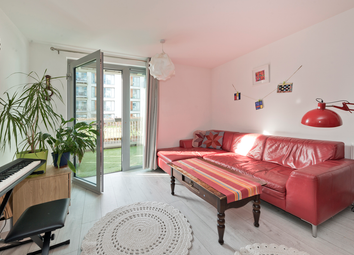 Heron Place, Newham, London E16. 2 bed flat for sale