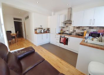 Gilbey Road, Tooting Broadway, London SW17. 3 bed flat
