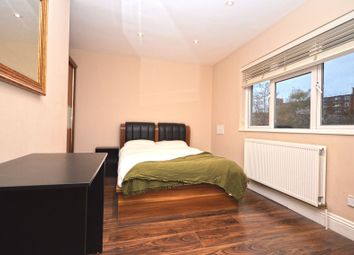 Room to rent in Double Room - Newbold Cottages, Sidney Street, London E1