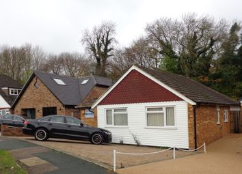 Thumbnail 3 bedroom detached bungalow to rent in Brookside Crescent, Cuffley, Potters Bar