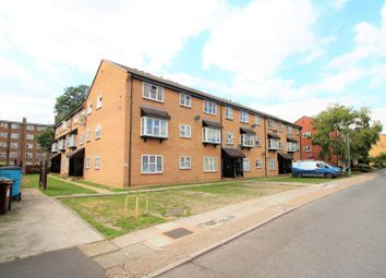 Thumbnail 2 bedroom flat to rent in Parish Gate Drive, Blackfen, Sidcup