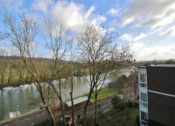 Thumbnail 2 bed flat to rent in Shooters Hill, Pangbourne, Reading