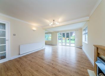Thumbnail 2 bed bungalow to rent in Wheat Hill, Letchworth Garden City
