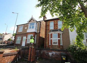 Thumbnail 1 bed flat to rent in Hughenden Road, High Wycombe