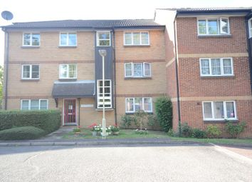 Thumbnail 1 bed flat to rent in St. Andrews Court, Reading