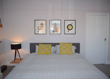 Thumbnail 5 bedroom terraced house to rent in Windmill Lane, London