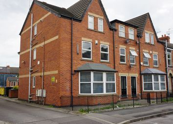 Thumbnail 3 bedroom flat to rent in De Grey Street, Hull