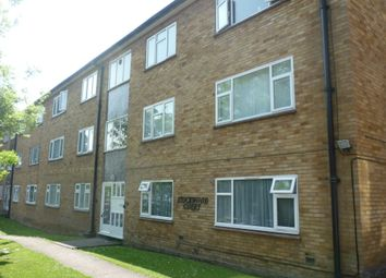 Thumbnail 2 bed flat to rent in Stockwood Crescent, Luton, Beds