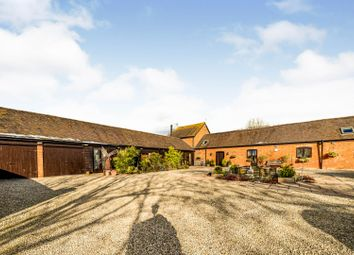 Berryfields Gated Road, Aylesbury HP22. 5 bed barn conversion for sale