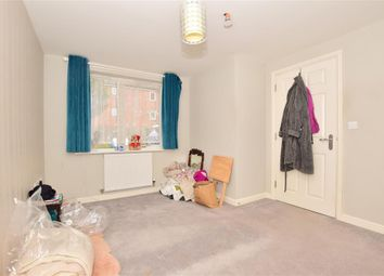 1 bed flat for sale in Speldhurst Close, Ashford, Kent TN23