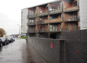 2 bed flat to rent in Moore Street, Glasgow G40