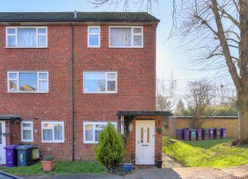 Thumbnail 2 bed flat for sale in Wren Close, Kimpton, Hitchin, Hertfordshire