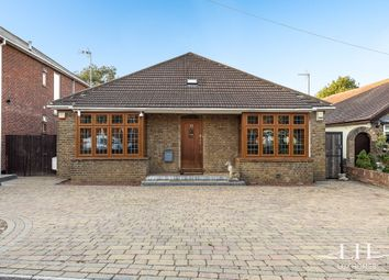 Fanshawe Crescent, Hornchurch RM11. 5 bed bungalow