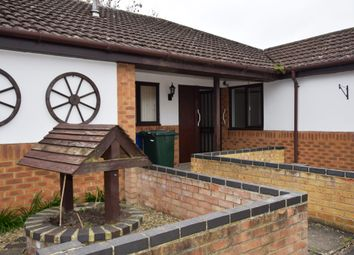 2 bed bungalow to rent in Dove Green, Bicester OX26